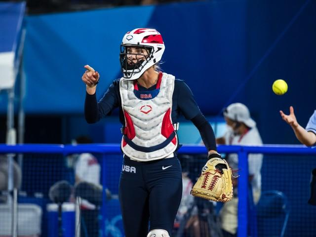 Aubree-Munro-EvoShield-Softball-Athletes-Unlimited-Fastpitch